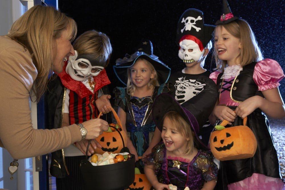 Børn i flotte halloween kostumer